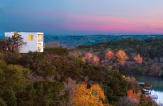 Cliff House – Contemporary Luxury Delivers Captivating Views