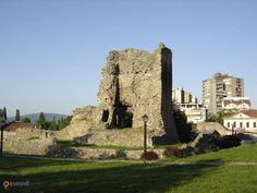 Крушевацкая крепость – #Сербия #Центральная_Сербия (#RS_SE) Главная достопримечательность города Крушевац.  ↳ http://ru.esosedi.org/RS/SE/1000251338/krushevatskaya_krepost/