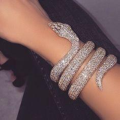 Snake Bracelet, Snake Jewelry, Cute Jewelry, Body Jewelry, Jewelry Accessories, Jewellery, Lila Baby, Accesorios Casual, Glitz And Glam