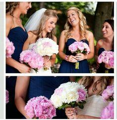 Damas en azul y rosa