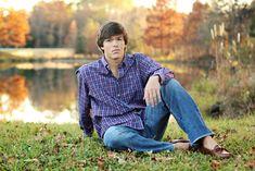 this background is perfect Boy Senior Portraits, Senior Boy Poses, Senior Boy Photography, Fall Portraits, Senior Guys, Autumn Photography, Guy Poses, Teen Poses, Inspiring Photography