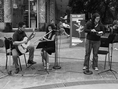 Recital Shakespeare Infatigable organizado por Booklica British Council Venezual y la Alcalda de Baruta con la particpacin de çngela Len Cervera Vernica Pedraza Daz y los mœsicos Antonino Croce en la guitarra y Brbara Bolvar en la flauta integrantes del Dœo Somaris.