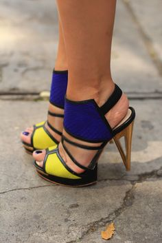 blue and yellow high heels. yesss