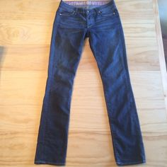 """NWOT Rich & Skinny 'Sleek' jeans Gorgeous!! 😍 perfect condition. Brand new without tag. Size 27. The fit is """"sleek"""". Which is between a skinny and Bootcut. Sort of straight leg but with a little flair at bottom. Super flattering fit! Rich & Skinny Jeans Skinny"""
