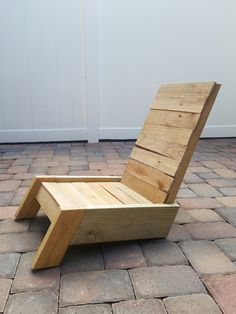 fauteuil détente look contemporain Pallet Furniture Designs, Yard Furniture, Wooden Pallet Projects, Furniture Upholstery, Pallet Seating, Pallet Crates, Wood Pallets, Wood Box Shelves, Homemade Sofa