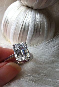 emerald cut diamond solitaire