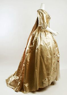 Robe à la Française, 1774–93, French, silk. (c) Metropolitan Museum of Art