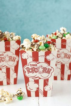 A festive holiday treat for parties, gifts, movie-watching and snacking: Holly Jolly Chocolate-Peppermint Popcorn Treat Mix. Popcorn Mix, Chex Mix, No Bake Treats, Holiday Festival, Holiday Treats, Peppermint, Christmas Holidays, Gift Wrapping, Sweets