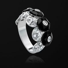 White gold Onyx Diamond Ring - Piaget Luxury Jewellery G34H3100