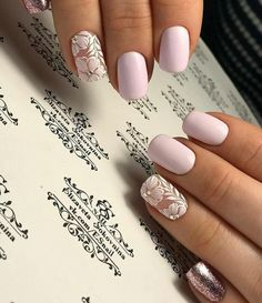 False nails have the advantage of offering a manicure worthy of the most advanced backstage and to hold longer than a simple nail polish. The problem is how to remove them without damaging your nails. Spring Nails, Summer Nails, Fall Nails, Diy Nails, Cute Nails, Nagellack Trends, Wedding Nails Design, Nail Wedding, Wedding Shoes