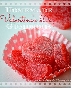Valentine's Day Homemade Gum Drops Recipe Desserts with sugar, applesauce, Jell-O Gelatin, unflavored gelatin, lemon juice Valentines Day Food, Homemade Valentines, Valentine Treats, Holiday Treats, Chocolates, Cupcakes, Gumdrop Recipe, Tarte Caramel, Gum Drops