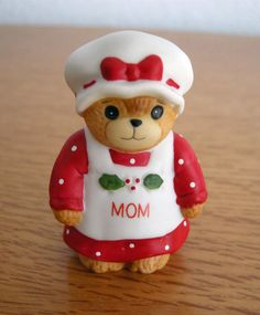 Porcelain Enesco Mom Christmas Bear Figurine Lucy and Me 1984