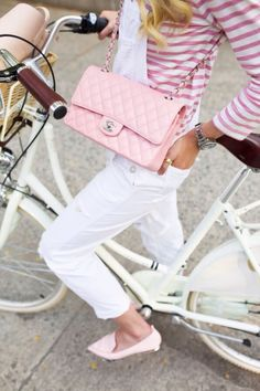 Street style, bike chic, white and pink