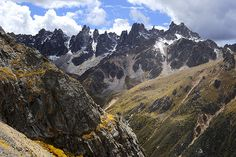 The mountains near the pass of Cho La (alt 4864m)   Flickr - Photo Sharing!