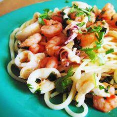 Espaguete com camarão e lula