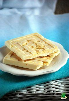 Kitchen vegan: Domestic white chocolate. Vegan.