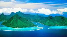 Mavi Deniz Ve Yeşil Tepeler HD Wallpapers