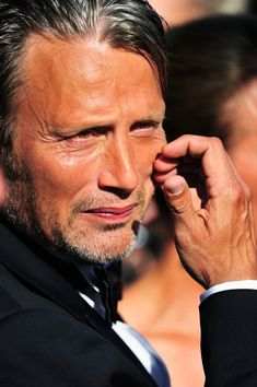 Mads Mikkelsen Photos Photos - Mads Mikkelsen attends the 'Zulu' Premiere and Closing Ceremony during the 66th Annual Cannes Film Festival at the Palais des Festivals on May 26, 2013 in Cannes, France. - 'Zulu' Premieres in Cannes