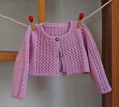 layette Gilet court en coton 3 mois neuf tricoté main : Mode Bébé par com3pom