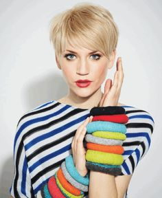 Fine, soft hair comes into its own when styled in a pixie cut! A layered pixie cut shows off the fluffy texture of silky-soft fine hair and makes it easy to get Short Blonde Haircuts, Haircuts For Fine Hair, Short Hairstyles For Women, Pixie Hairstyles, Bob Hairstyle, Layered Haircuts, Bump Hairstyles, Haircut Short, Short Bangs