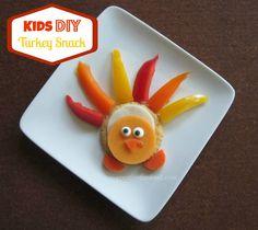 Kids DIY Turkey Snack @RITZ Crackers creativefunfood.com