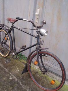 Altes-Fahrrad-Oldtimer-Fahrrad-Fahrrad-antik-Herrenfahrrad-26