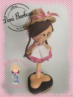 Linda caneta decorada em EVA com chapéu de palha. R$ 20,00