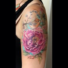 Another beautiful floral bird tattoo that looks like a painting by @belozerova_Anna