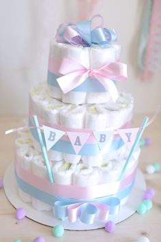 Gender Reveal Diaper Cake / Shower Centerpiece / Baby girl or boy / Elegant / for gift / nappy / tulle / new mom gift / hospital / pink blue Diy Baby Gifts, Baby Shower Gifts For Boys, Baby Boy Shower, Baby Shower Diapers, Baby Shower Cakes, Baby Shower Themes, Shower Ideas, Diaper Shower, Baby Shower Centerpieces