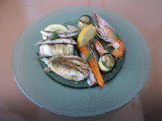 JHS  /  Come  fosse  una piccola grigliata di pesce e qualche verdura Gino D'Aquino