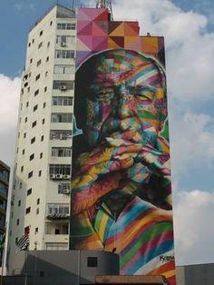 O arquiteto Oscar niemeyer é retratado por Kobra neste gigantesco grafite (Foto: Charles Humpreys/BBC)
