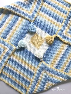 Moss Stitch In A Square Crochet Blanket By Sarah - Free Crochet Pattern - (repeatcrafterme)