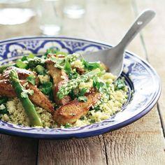 Groene asperges met kalkoenfilet en kruidige couscous