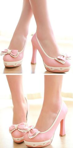 Adorable pink bow pumps