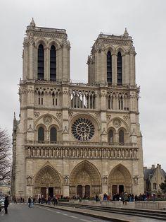 Собор  Парижской  Богоматери (Cathedrale   Notre - Dame - de - Paris ) . Готический  стиль.