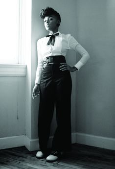 Gorrrgeous Victor/Victoria style from Janelle Monae...I've got 30s/40s style trousered women on my mind!