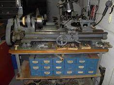 Metal lathe Love Machine, Machine Tools, Garage Tools, Garage Workshop, Metal Working Machines, South Bend Lathe, Industrial Machine, Miter Saw, Old Tools