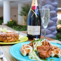 From Cap'n Crunch French toast to bottomless booze, these are the 10 best brunches in Las Vegas...Need to try a few of these