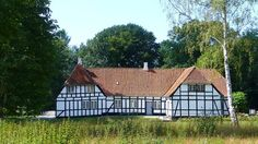 Jerstrup Gods, Fyn - Jerstrup er en gammel gård. Jerstrup nævnes første gang i 1328 og er nu en avlsgård under Gyldensteen. Hovedbygningen er opført i 1719 og ombygget i 1944-1945 ved Hans Georg Skovgaard.