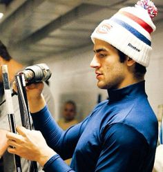 Max Pacioretty, Montreal Canadiens I need this touque! Hockey Mom, Hockey Teams, Hockey Players, Montreal Canadiens, Max Pacioretty, Columbus Blue Jackets, April Fools, Club, Attractive Men