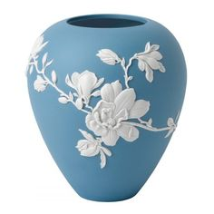 A beautiful piece for the home and a wonderful gift, the Magnolia Blossom Large Vase combines iconic blue jasper with white magnolia ornamentation. Presented in a signature Wedgwood blue gift box. Blue And White Vase, White Vases, White Planters, Wedgewood China, Blue Gift, Magnolia Flower, Porcelain Vase, Fine Porcelain, Flower Vases