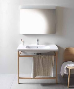Console ceramic washbasin DURASTYLE by DURAVIT Italia | #design Matteo Thun & Partners #bathroom