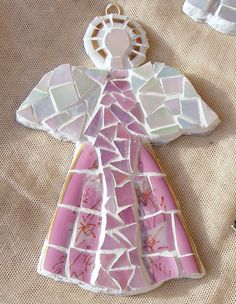 Angel Mosaic - Christmas ornament - inspired by all of you who made those lovely mosaic pieces:-) Christmas Mosaics, Christmas Ornaments To Make, Angel Ornaments, Pink Christmas, Christmas Angels, Snowman Ornaments, Mosaic Crafts, Mosaic Projects, Mosaic Art