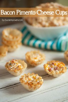 Bacon Pimento Cheese Cups - these disappeared in minutes! So creamy and cheesy! Finger Food Appetizers, Yummy Appetizers, Appetizers For Party, Appetizer Recipes, Bacon In The Oven, Oven Bacon, Pimento Cheese, Cheddar Cheese, Phyllo Cups