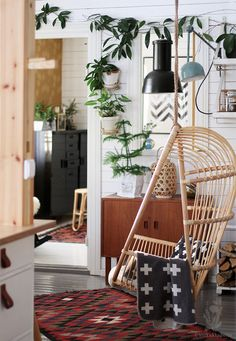 Huh! Hanging Chair, House Styles, Furniture, Home Decor, Hammock Chair, Decoration Home, Room Decor, Home Furnishings, Arredamento