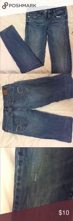 American Eagle skinny jeans Lots of love left in these jeans! They're skinny, size 4. Used but still good condition. A little sign of gentle wear in the knee areas but grunge is still in, right? American Eagle Outfitters Jeans Skinny