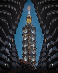 Taipei, Taiwan Taipei 101, Taipei Taiwan, Famous Structures, Asian Architecture, Landscape Lighting, Empire State Building, Philippines, Beautiful Pictures, Vacation
