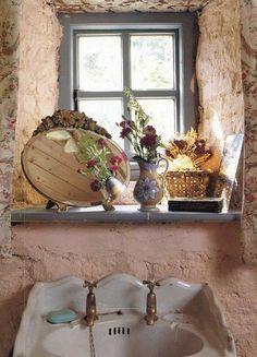~a charming cottage bathroom~