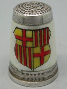 Barcelona. Plata y esmalte estilo guilloche. España. Thimble-Dedal-Fingerhut.