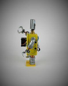 FourBot View#2    #seekrbots #retroscifiart #vintage #vintageart #build #junkbots #antique #robotbuilder #intheworkshop #buildabot #scrapart #metalart #steampunk #steampunkart #robot #scifi #robotsculpture #assemblage #fobot #bot #mini